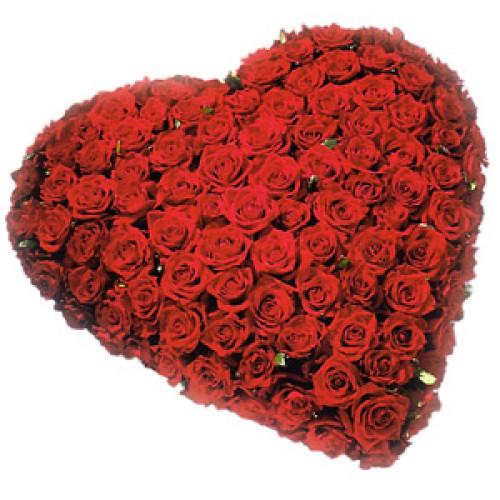 Букет  101 роза в виде сердца с доставкой в Самаре