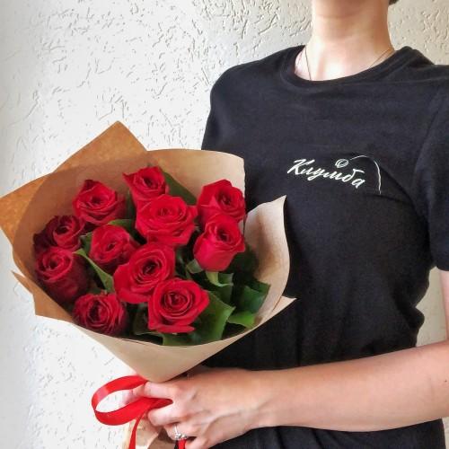 Букет 11 пылких роз с доставкой в Самаре