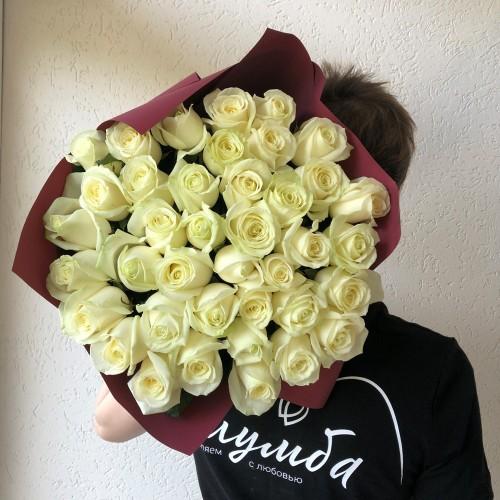 Букет 35 белых роз  с доставкой в Самаре