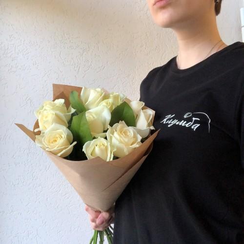 Букет 11 белых роз с доставкой в Самаре