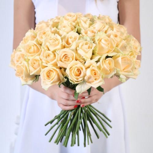 Букет 35 персиковых роз  с доставкой в Самаре
