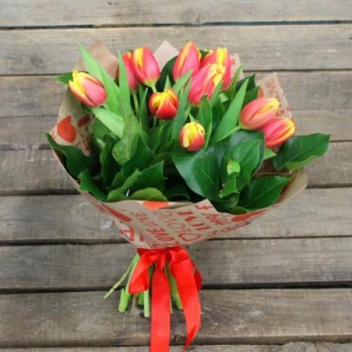 Букет 15 классных тюльпанов с доставкой в Самаре